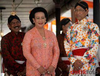 Top-chique: de Sultan van Yogyakarta met zijn vrouw