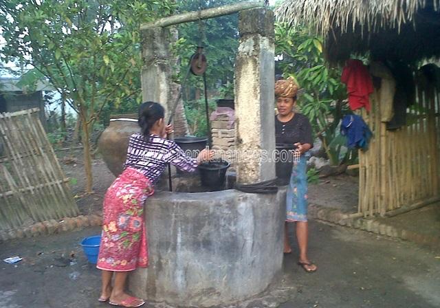 Een traditionele waterput.