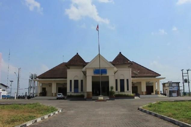 Vliegveld Jember: Notohadinegoro